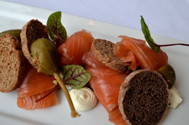 F&P House Smoked Salmon, Sunchoke Tartare, Caperberry, Pumpernickel, Crème Fraiche